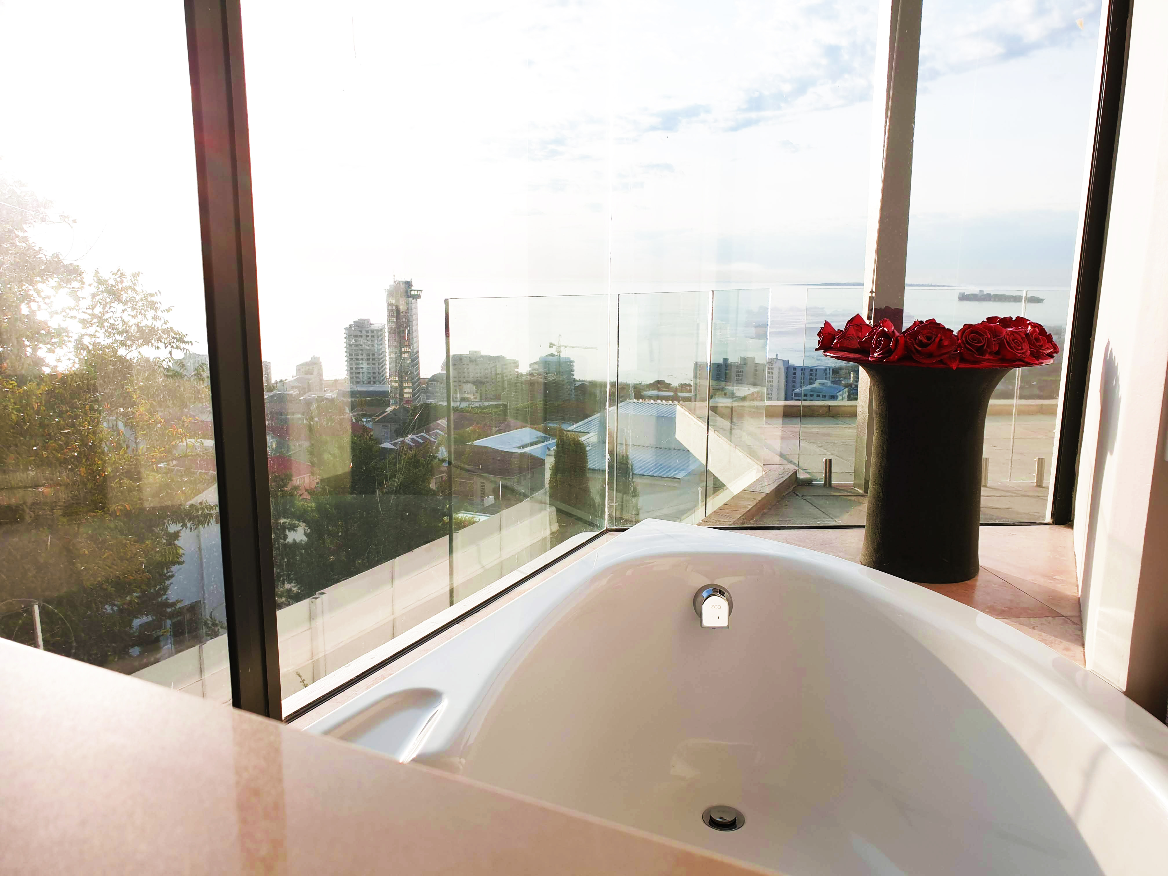 16 Master Bedroom Ensuite Bath with a view – Edgehill